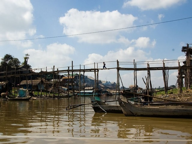 PHNOM PENH | Kampong Chhnang Floating Village