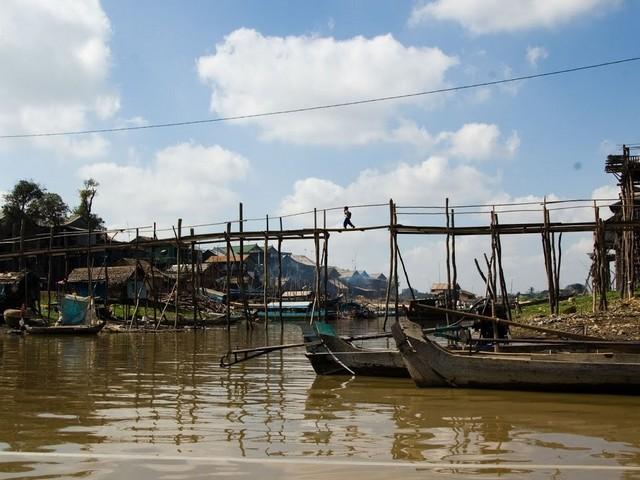 PHNOM PENH | Kampong Chhnang Floating Village