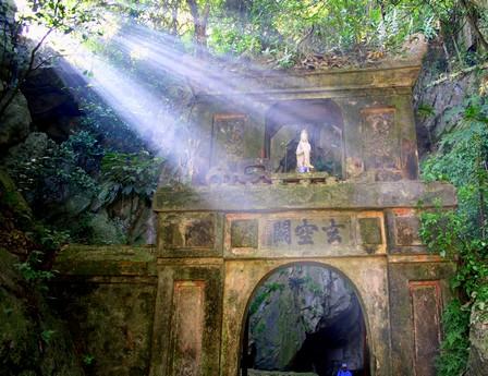 HANOI | Perfume Pagoda